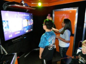 Los Angeles CA video game truck party 28 players at once